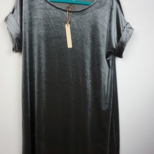Gibson & Latimer dress, NWT $69, Size Medium